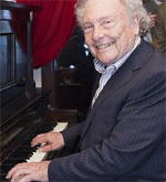 imagen de Punset tocando el piano