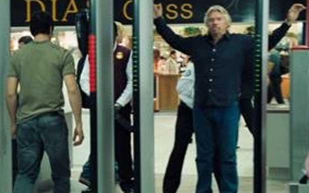 Branson, cacheado por la seguridad de su propia línea aérea.